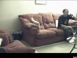 Couple anglais baise dans son salon
