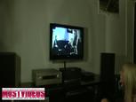 Hardcore party devant un clip porno torride